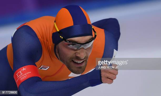 TOPSHOT Netherlands' Kjeld Nuis competes in the men's 1500m speed skating event during the Pyeongchang 2018 Winter Olympic Games at the Gangneung...