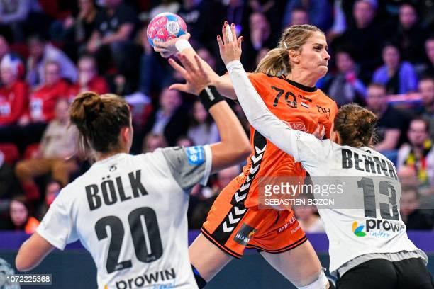 Netherlands' left back Estavana Polman shoots during the 2018 European Women's handball Championships Group 2 main round match between Netherlands...