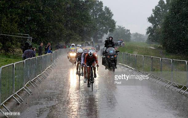 Netherlands' Marianne Vos Russia's Olga Zabelinskaya and Great Britain's Elizabeth Armitstead cycle during the Women's Road Race Road Cycling Day 2...
