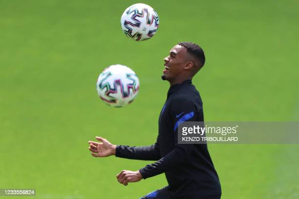 Netherlands' midfielder Ryan Gravenberch attends his team's MD-1 training session in Zeist on June 20, 2021 on the eve of their UEFA EURO 2020 Group...