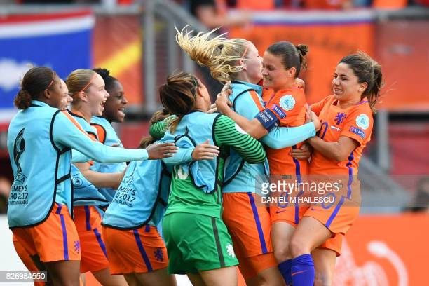 Netherlands' midfielder Sherida Spitse celebrates with teammates after scoring a goal during the UEFA Womens Euro 2017 football tournament final...
