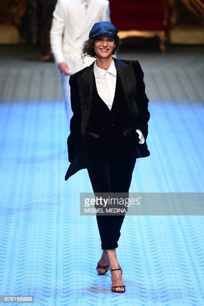 Netherlands model Marpessa Hennink presents a creation by Dolce Gabbana during the men women's spring/summer 2019 collection fashion show in Milan on...