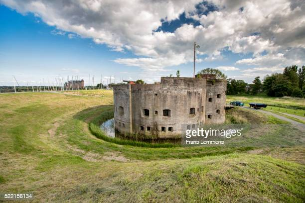 netherlands, muiden, fort called muizenfort - noord holland stockfoto's en -beelden