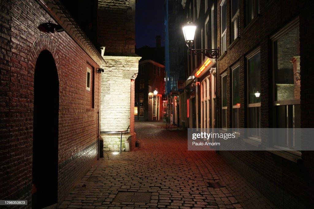 Netherlands Nationwide Curfew Amid The Coronavirus Pandemic In Amsterdam : Stockfoto