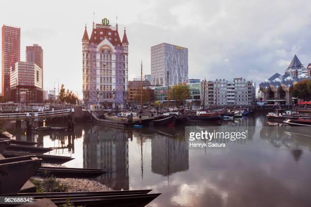 netherlands, rotterdam, marina at sunset - rotterdam stock-fotos und bilder