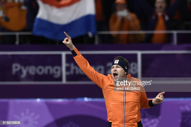 Netherlands' Sven Kramer clelebrates winning the men's 5,000m speed skating event during the Pyeongchang 2018 Winter Olympic Games at the Gangneung...