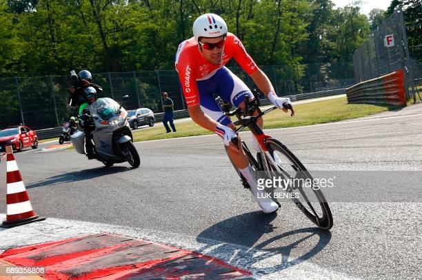 TOPSHOT Netherlands' Tom Dumoulin of team Sunweb competes during the Individual timetrial between Monza and Milan on the last stage of the 100th Giro...