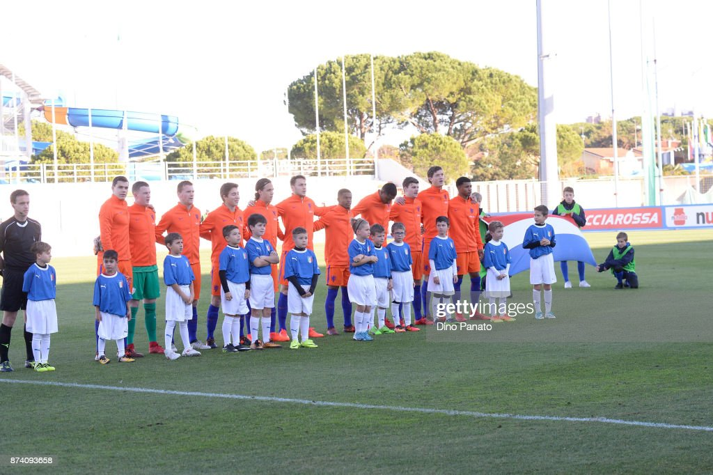 Netherlands U20 players poses before the 8 Nations Tournament match between Italy U20 and Netherlands U20 at Stadio G. Teghil on November 14, 2017 in Lignano Sabbiadoro, Italy.