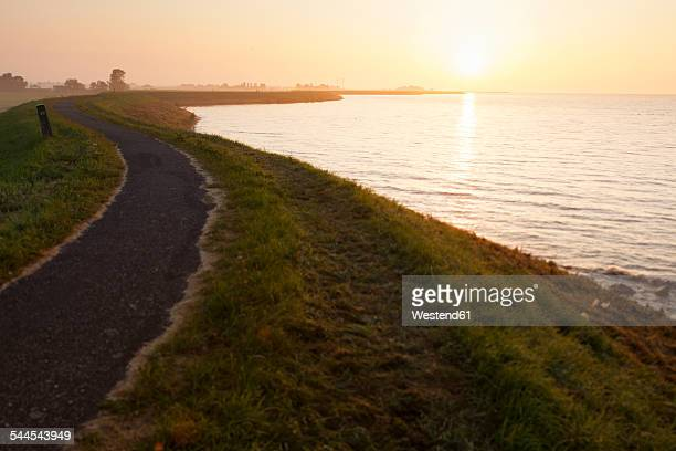 Netherlands, Waterland, sunrise above the Ijsselmeer