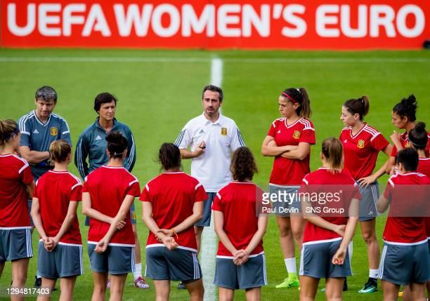 Spain manager Jorge Vilda addresses the players