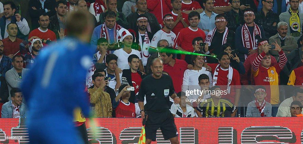 Turkey v Netherlands - FIFA 2014 World Cup Qualifier