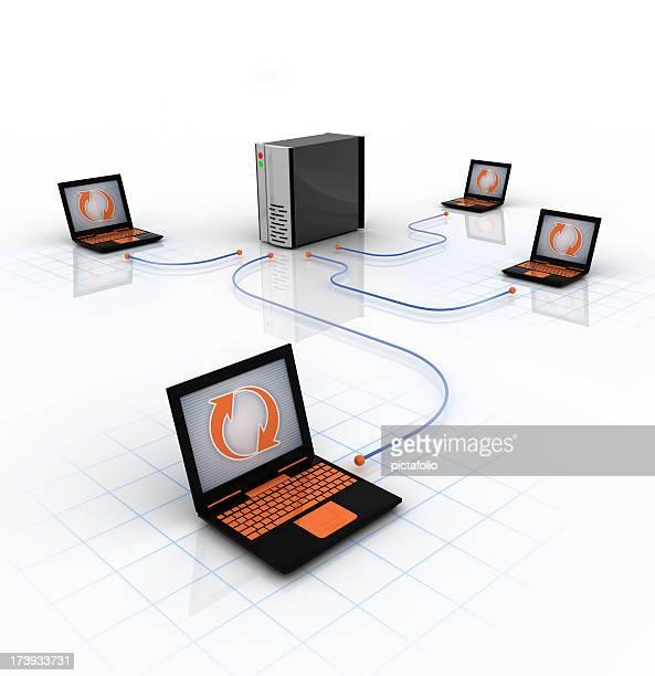 server di rete portatili - l'uomo e la macchina foto e immagini stock