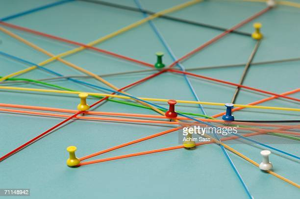 network with pins - strategie stockfoto's en -beelden