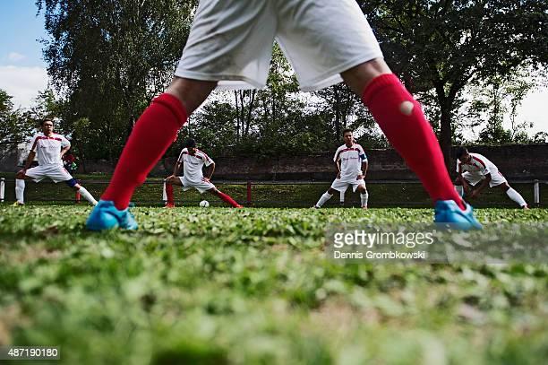 Neuaubing plays SV Am Hart at Sportzentrum ESV Neuaubing on September 6 2015 in Munich Germany ESV Neuaubing is the first amateur refugee team in...