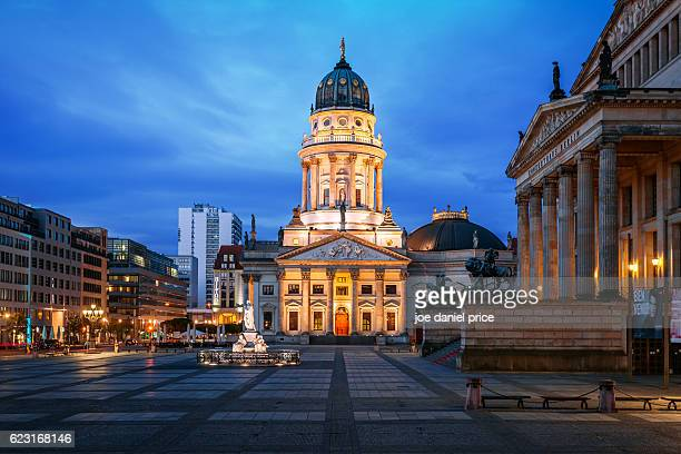 neue kirche, deutscher dom, gendarmenmarkt, berlin, germany - kirche stock pictures, royalty-free photos & images