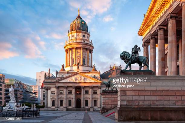 neue kirche, gendarmenmarkt, berlin, germany - kirche stock pictures, royalty-free photos & images