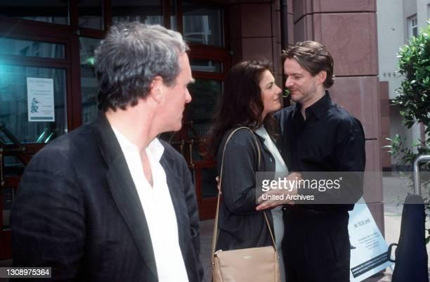 Neuer Fernsehfilm: Als Phil Jacobsen die attraktive Laura kennenlernt, kommt ihm sein bisher glückliches Familienleben plötzlich wie ein Gefängnis...