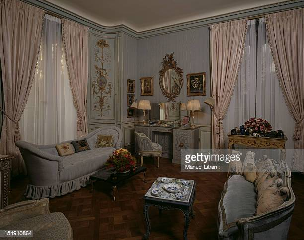 NeuillysurSeine December 4 the residence of the Duke and Duchess of WINDSOR transformed into a museum by the Egyptian billionaire Mohamed AlFayed In...