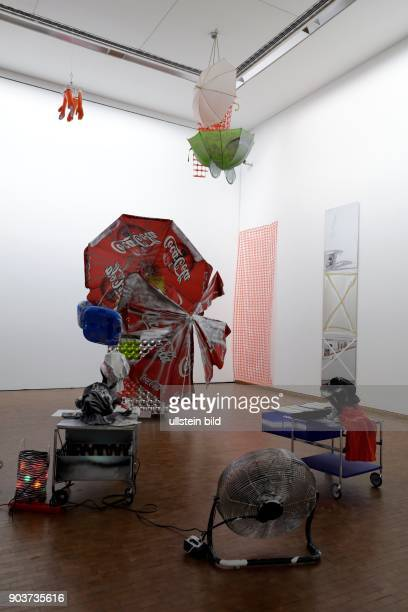 Neupräsentation der Sammlung des Museum Ludwig Susanne LaugwitzAulbach Robert MüllerGrünow und Yilmaz Dziewior sowie die KuratorInnen stellen die im...