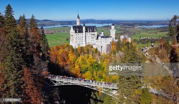 neuschwanstein castle and queen mary's bridge - editorial stock pictures, royalty-free photos & images