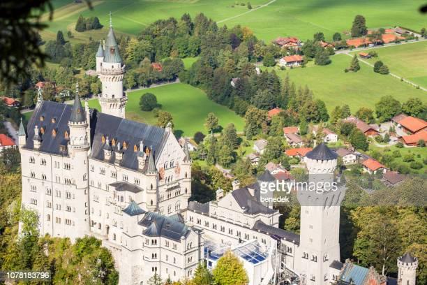 neuschwanstein castle in bavaria germany - neuschwanstein castle stock pictures, royalty-free photos & images