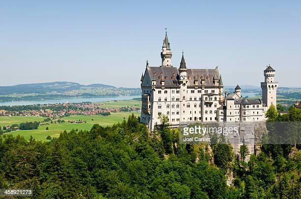neuschwanstein castle in bavaria - neuschwanstein castle stock pictures, royalty-free photos & images