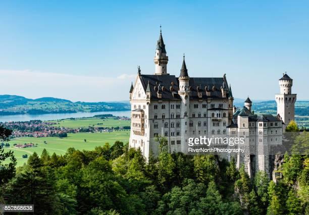 neuschwanstein castle in füssen, bavaria - neuschwanstein castle stock pictures, royalty-free photos & images