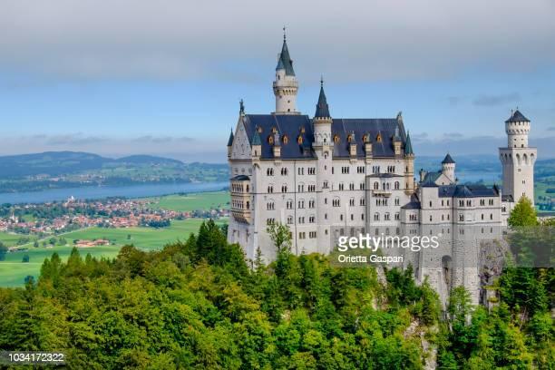 neuschwanstein castle (bavaria, germany) - neuschwanstein castle stock pictures, royalty-free photos & images