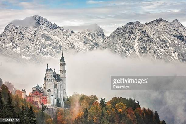 neuschwanstein castle - neuschwanstein castle stock pictures, royalty-free photos & images