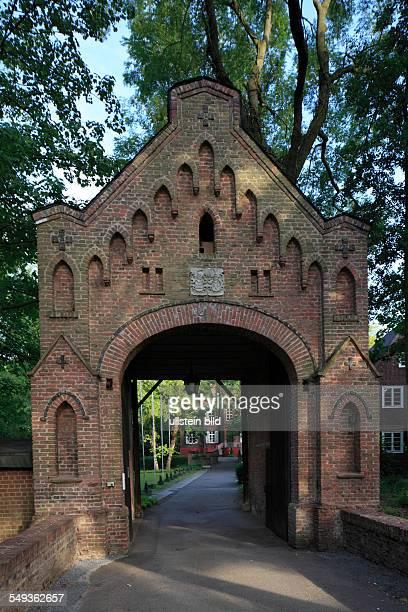 NeussSelikum castle Reuschenberg moated castle castle gate