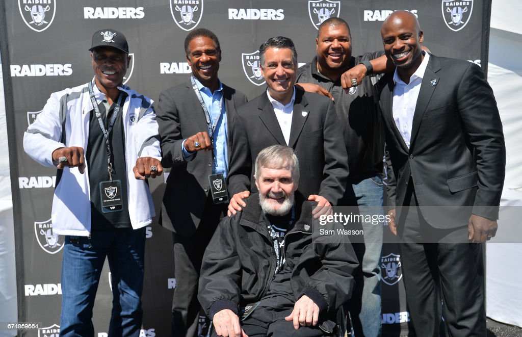Oakland Raiders Announce Draft Picks At The Welcome To Fabulous Las Vegas Sign