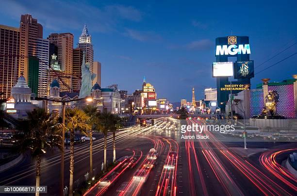 usa, nevada, las vegas, las vegas strip with skyline at night - 2007 stock pictures, royalty-free photos & images