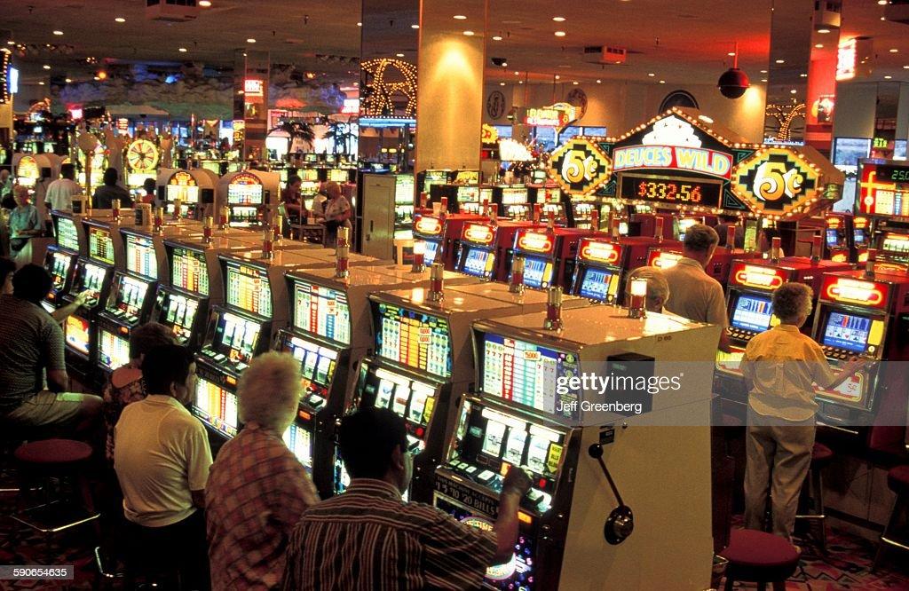 Edgewater casino slot machines reclame holland casino poker face