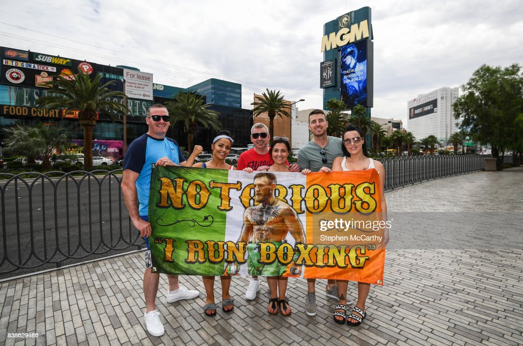 Nevada , United States - 24 August 2017; Conor McGregor supporters, from left, Ron O'Hara, Lynn O'Hara, Alan Farrelly, Nicola Farrelly, Ian Kinsella and Stacey Kelly from Coolock, Dublin, in Las Vegas, prior to the boxing match between Floyd Mayweather Jr and Conor McGregor at T-Mobile Arena in Las Vegas, USA, on Saturday August 26.
