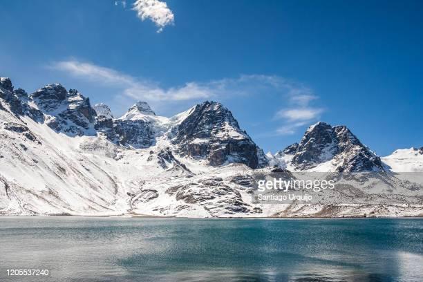 nevado condoriri above laguna chiar khota - bolivia stock pictures, royalty-free photos & images