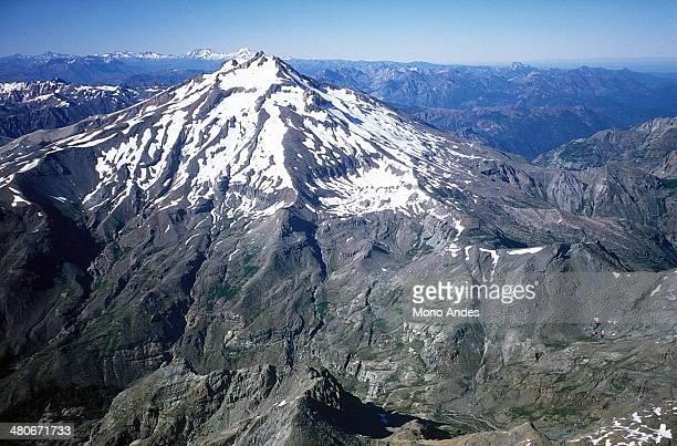 nevado de longaví (aérea) - vista aérea stock pictures, royalty-free photos & images
