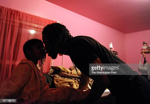 Nevaeh Taylor a daughter of nowdeceased Tara Taylor gets bedtime kiss from her father RaShon Parham on December 12 in Lanham MD Last month Chanda...