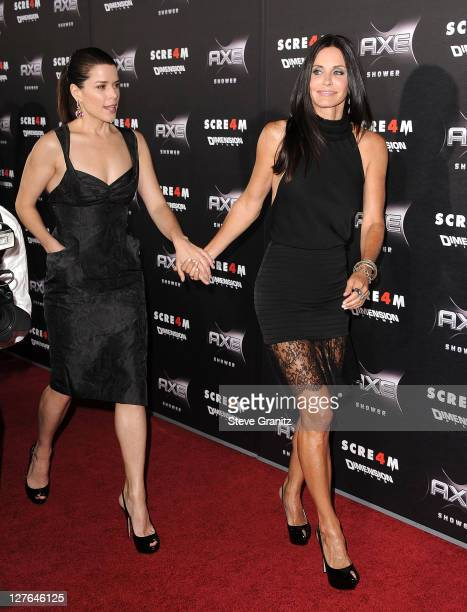 Neve Campbell and Courteney Cox attends the Scre4m Los Angeles Premiere at Grauman's Chinese Theatre on April 11 2011 in Hollywood California