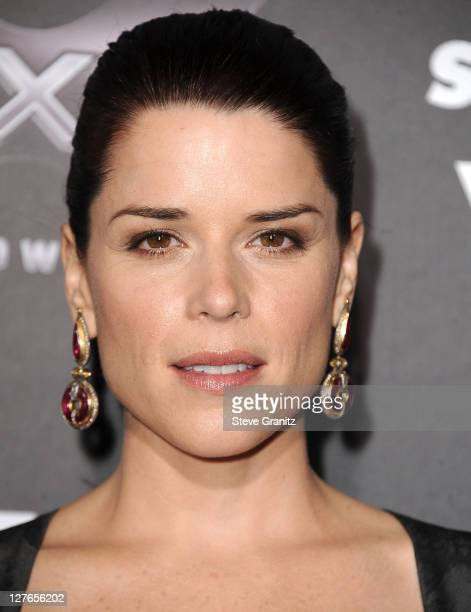 Neve Campbell attends the Scre4m Los Angeles Premiere at Grauman's Chinese Theatre on April 11 2011 in Hollywood California