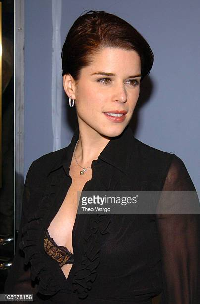 Neve Campbell During The Company New York Premiere Inside Arrivals At Paris Theatre In