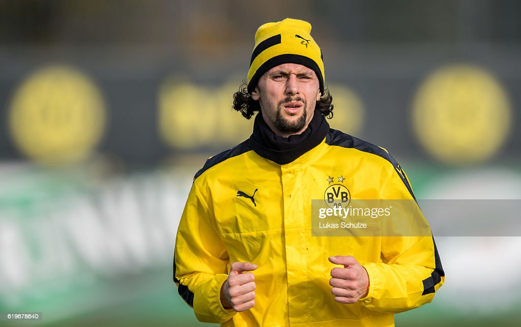 Borussia Dortmund - Training & Press Conference : News Photo