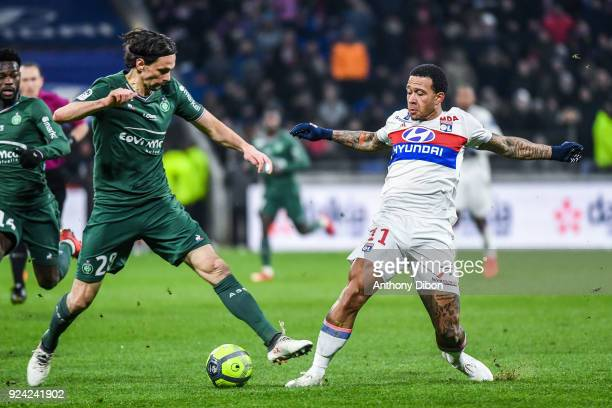 Neven Subotic of Saint Etienne and Memphis Depay of Lyon during the Ligue 1 match between Olympique Lyonnais and AS SaintEtienne at Parc Olympique on...