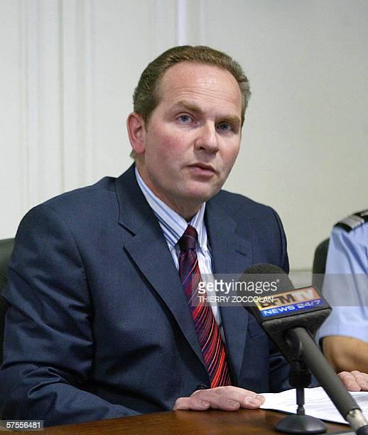 Le procureur de la Republique de Nevers Christian Gongora donne une conference de presse le 08 mai 2006 a Nevers apres qu'un enfant de quatre ans a...