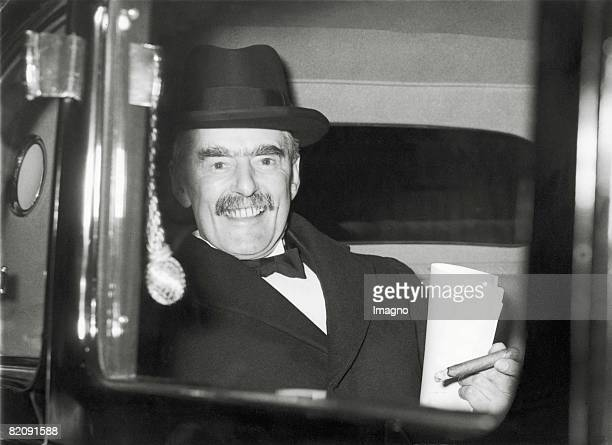 Neville Chamberlain british Prime Minister on his way to King George to report about his meeting with Adolf Hitler in Germany Photography 1938...