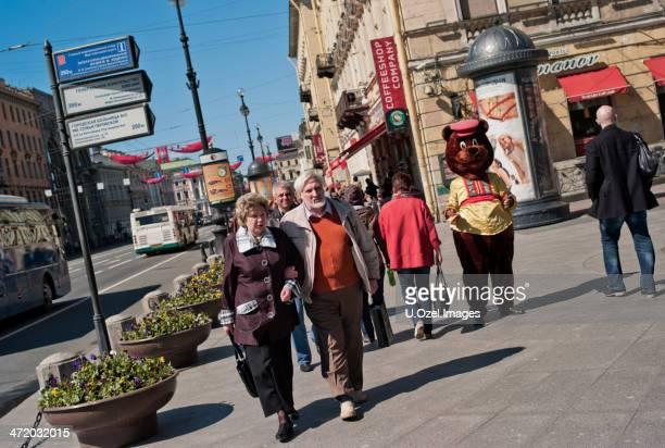 nevsky prospekt (st. petersburg) - sint petersburg rusland stockfoto's en -beelden
