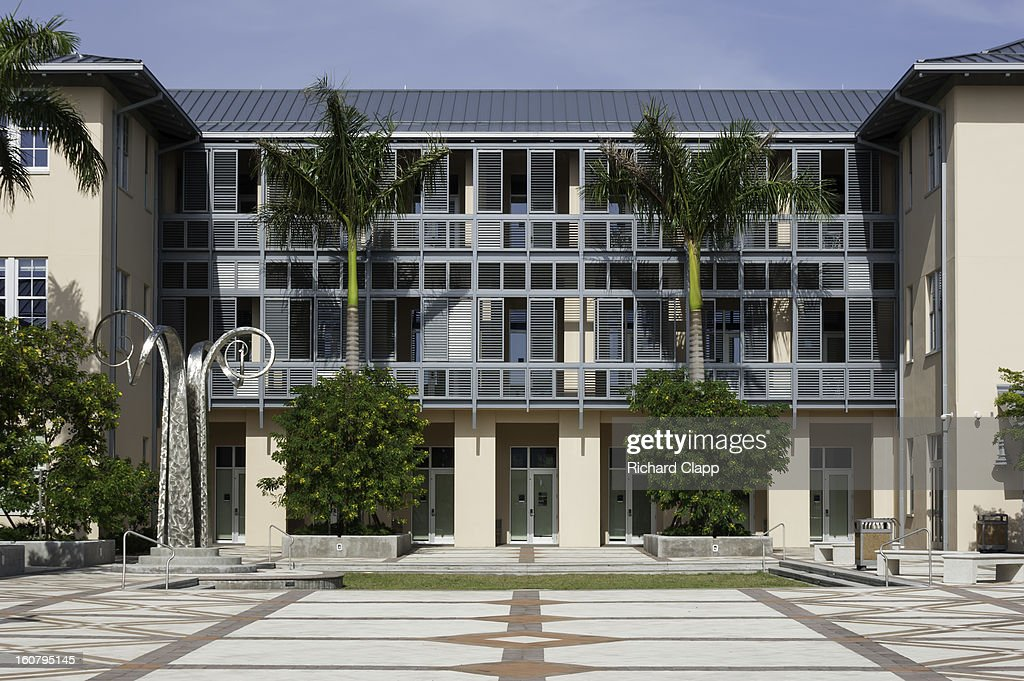 CONTENT] New Academic Building on the campus of New College in Sarasota, FL. Sculpture 'Four Winds' by Chicago sculptor Bruce White.