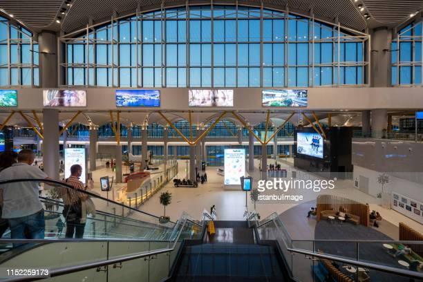 new airport terminal in istanbul - contemporary istanbul foto e immagini stock