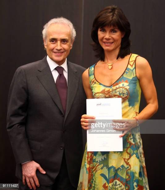 New ambassadors for the Jose Carreras Leukaemia foundation Nicola Tiggeler and Jose Carreras pose during the announcement ceremony on September 24...