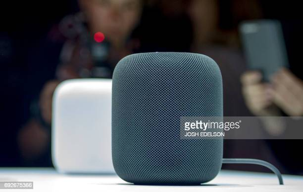 New Apple HomePod smart speaker are on display during Apple's Worldwide Developers Conference in San Jose California on June 05 2017 / AFP PHOTO /...