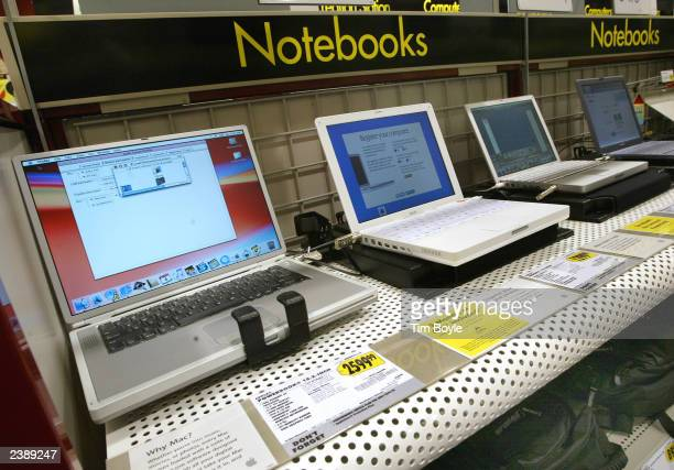 New Apple laptop computers are displayed at a Best Buy store August 11 2003 in Niles Illinois Beginning the week of August 10 select Best Buy stores...